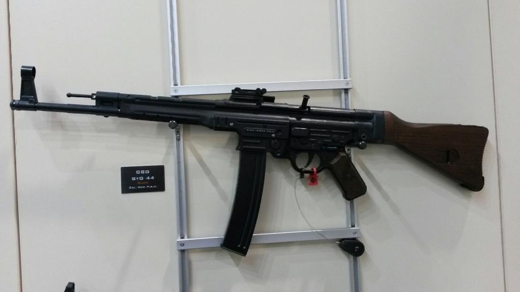 GSG-44 - expanzní zbraň r. 9mm P.A.K.